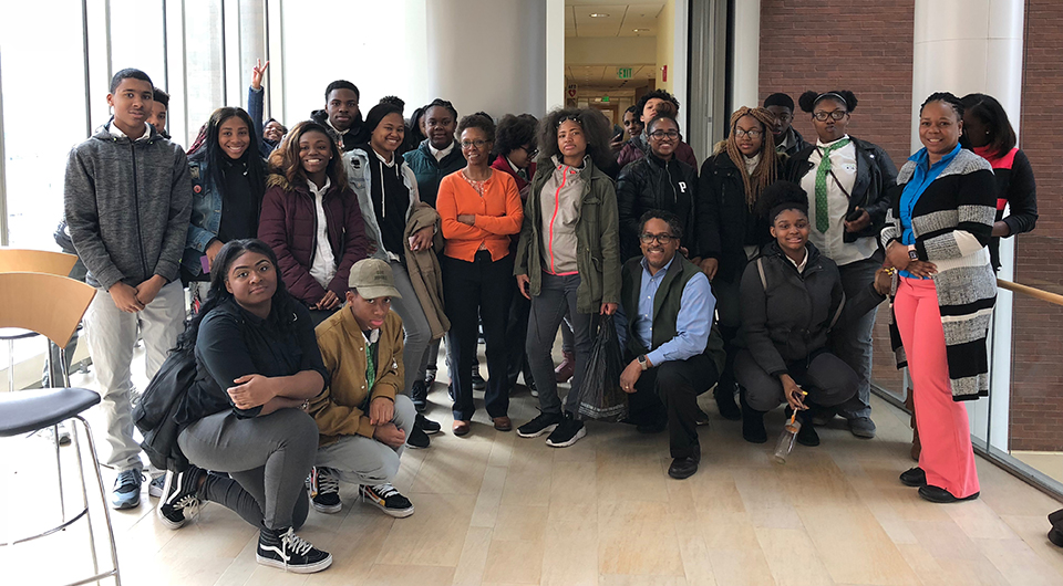 Green Street Academy Students Visit School of Pharmacy