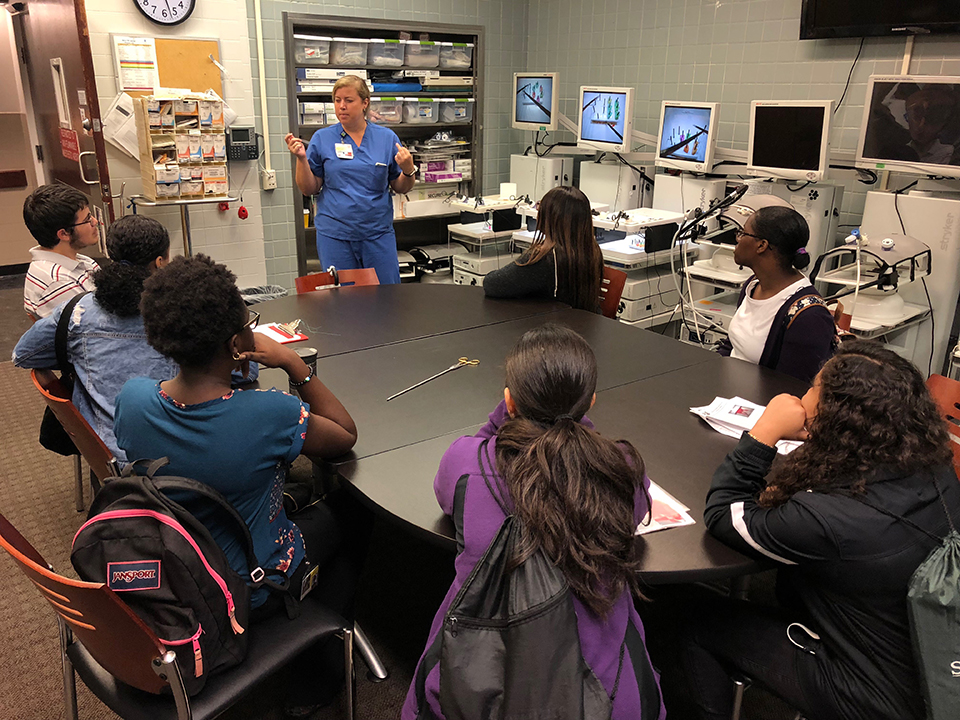 Students Begin High School Summer Bioscience Program at UMB