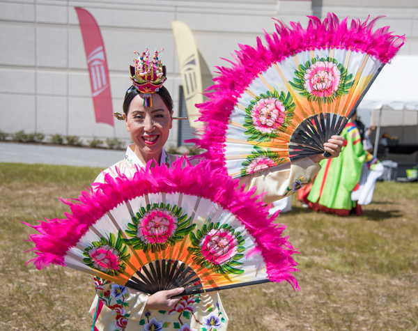 Maryland's First Lady Yumi Hogan enlisted traditional Korean dancers to perform for the crowd at the spring festival.