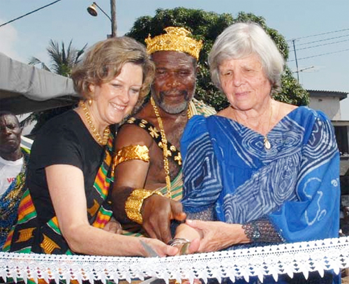 Jody Olsen, left, helped inaugurate two new Peace Corps buildings in Lomé, Togo, in 2007 for the 45th anniversary of the Peace Corps Togo program.